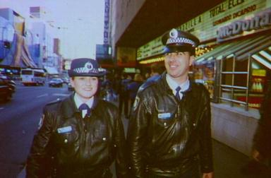 Turn around, you fools. George Street, 1998. Image courtesy Edmund Cheng.