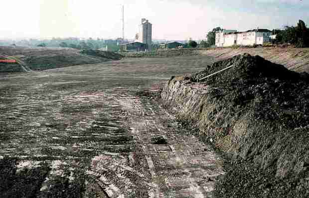 Resuming the Union Carbide site, 1993. Image courtesy Rhodes Remediation.