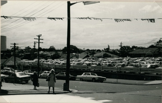 We hardly knew ye. Crofts Ave car park, 1976. Image courtesy Hurstville Council