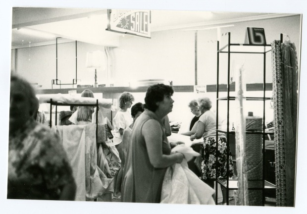 Just take it. Barter's Fire Sale, January 1985. Image courtesy Hurstville Council